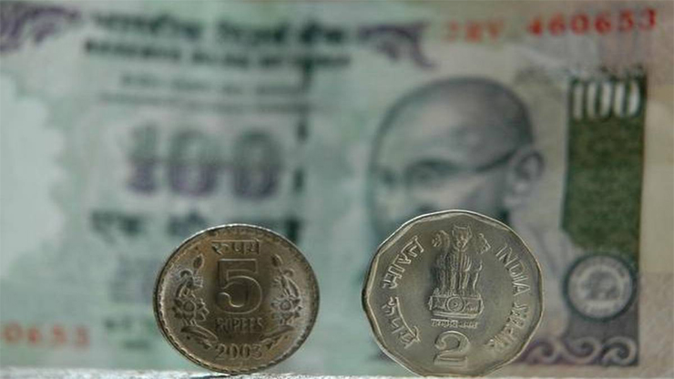 Rupee vs Dollar - Rupee vs Dollar: Rupee rises to 70.72 against USD amid foreign fund inflows, easing crude oil prices